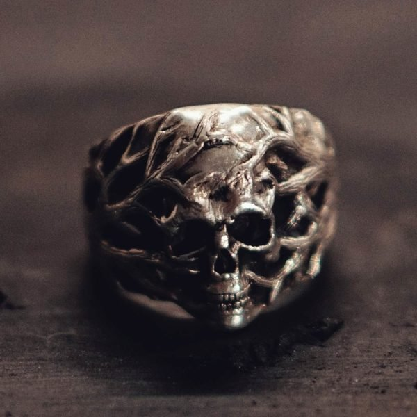 Skeleton ring in the Branches