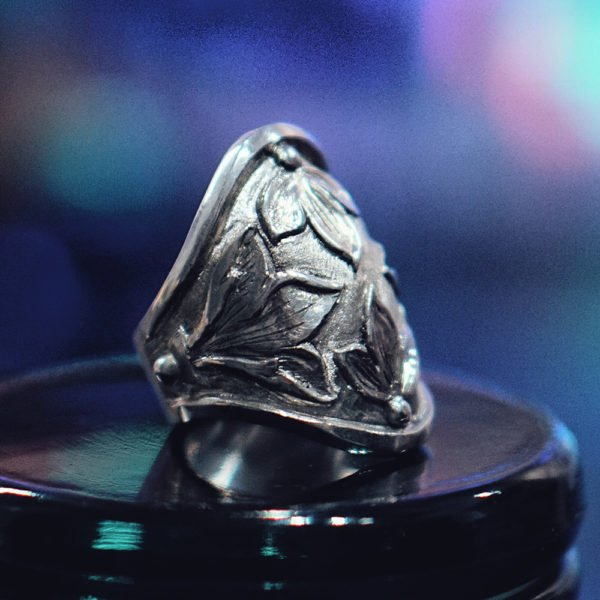 Order now Lily Wide Ring