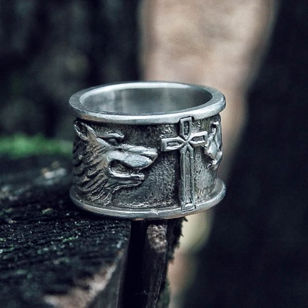 Two Wolfs and Cross Ring Silver